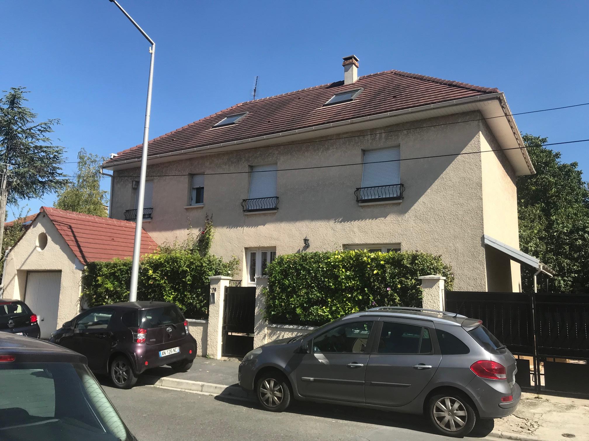 Vente maison villa spacieuse maison saint denis for Garage bon accueil saint denis
